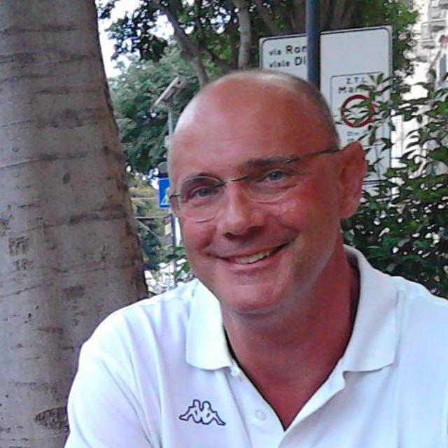 Paolo Cova è professore associato di Elettronica presso l'Università di Parma. Si è laureato a pieni voti in Ingegneria Elettronica nel 1992 ed è diventato dottore di ricerca nel 1996. Interessi di ricerca: caratterizzazione ed affidabilità di dispositivi elettronici ed optoelettronici a semiconduttori composti e di dispositivi e sistemi elettronici di potenza. È coautore di […]